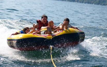 Watersports Tenero: Sulle acque del Lago Maggiore divertimento assicurato